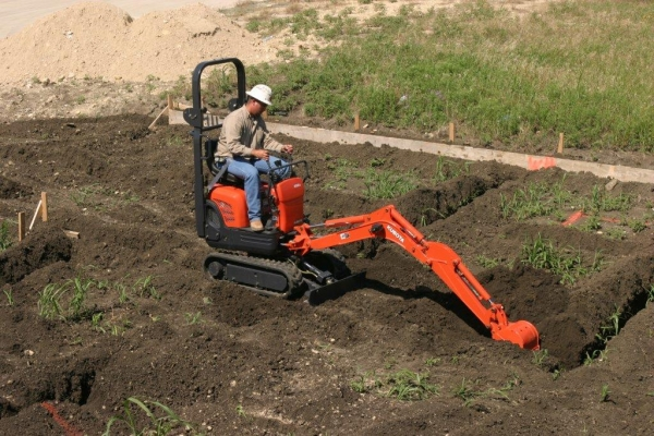 compact_power_DIY_backhoe.jpg