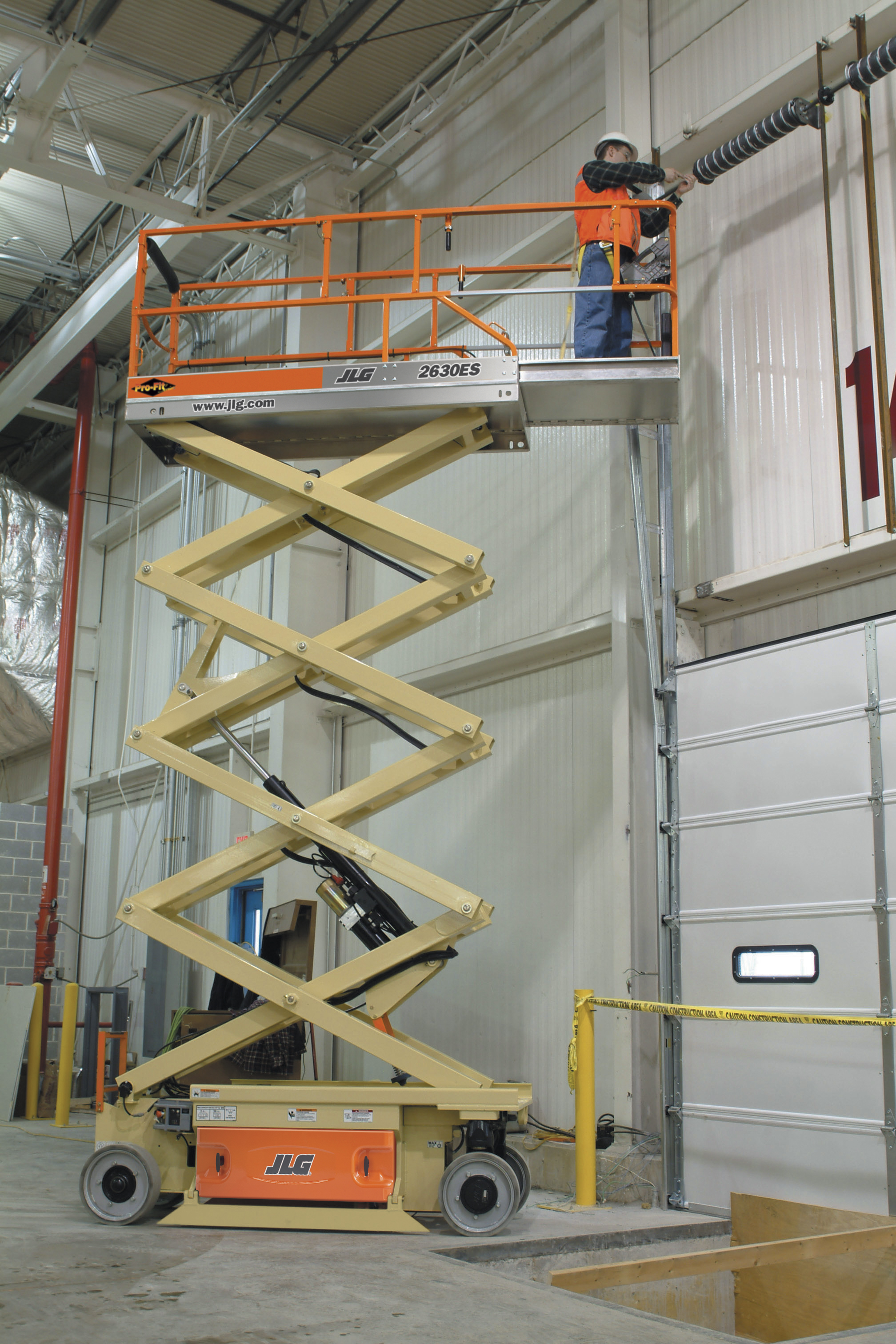 Increase Jobsite Productivity with Compact Power Scissor Lifts
